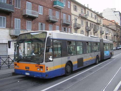 Ruba portafoglio sul bus