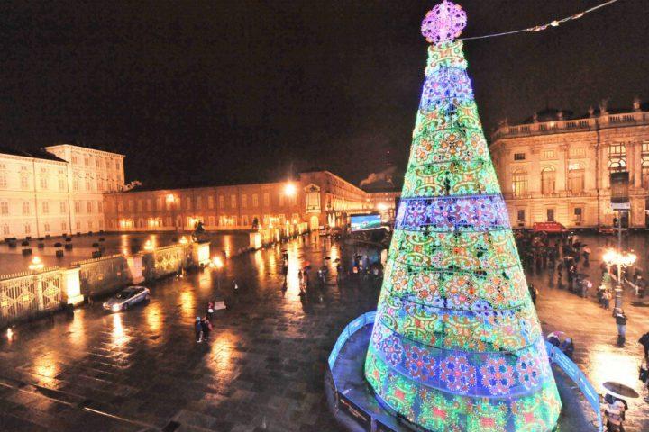 Albero Di Natale A Torino.Natale 2018 Si Cambia L Albero Dice Addio A Piazza Castello Torino News 24 Le News Da Torino