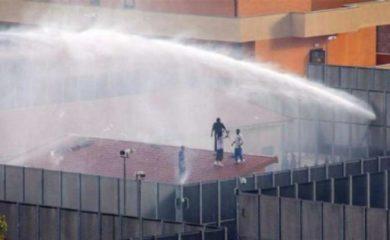 Inferno al Cpr di Torino